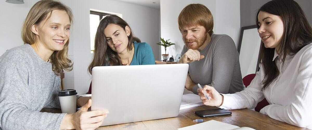 imagem de reunião estratégica com cliente