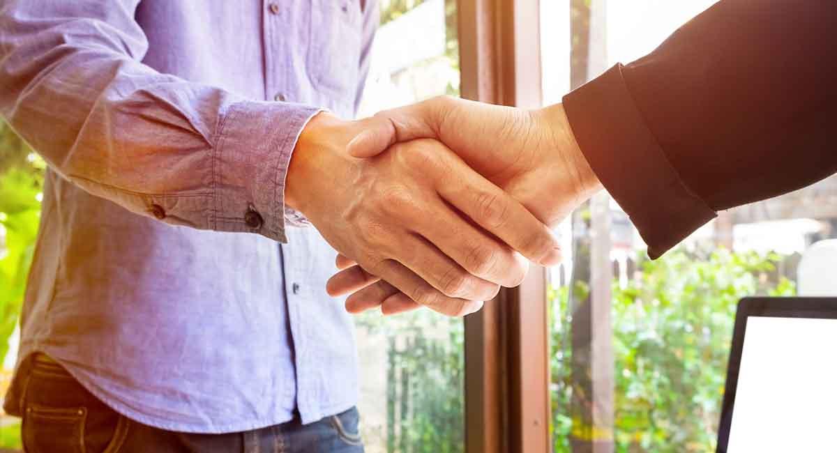 Entenda a relação entre especialista e lançador e quais cuidados são necessários para que ambas as partes cumpram suas obrigações e o trabalho em conjunto resulte em sucesso e futuras oportunidades de negócio.